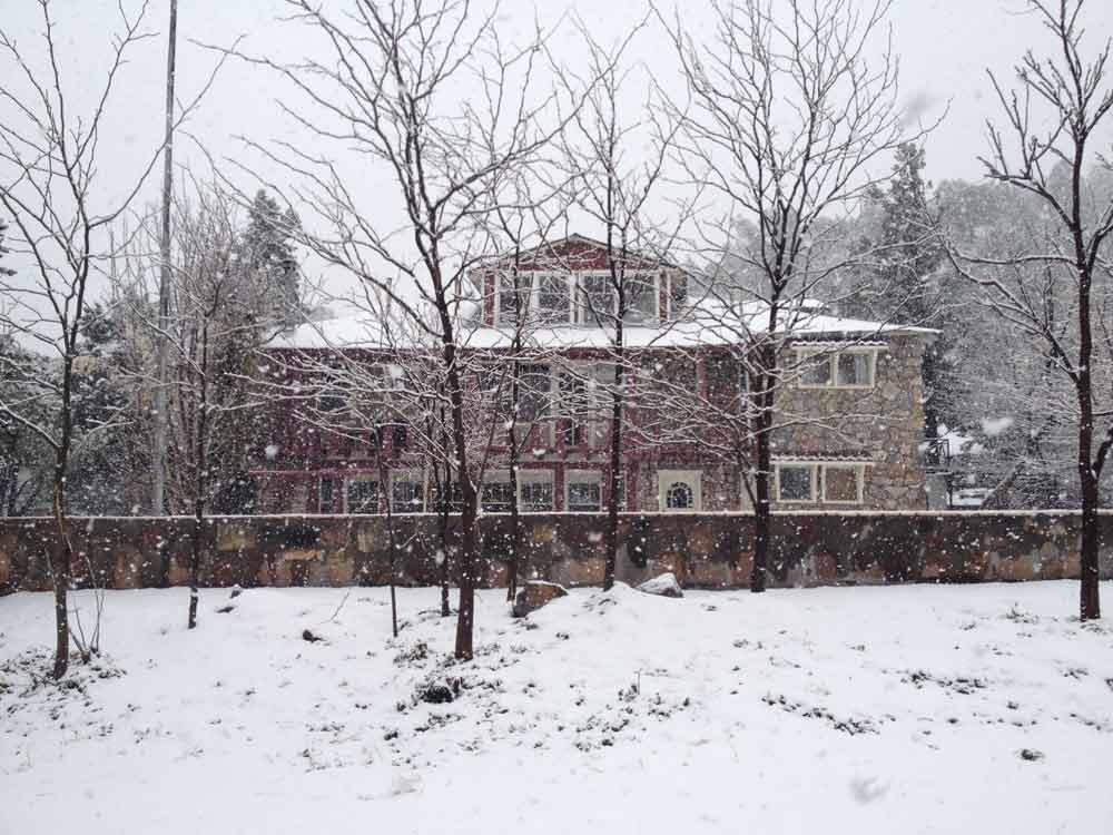 Kingston's Black Range Lodge in snow