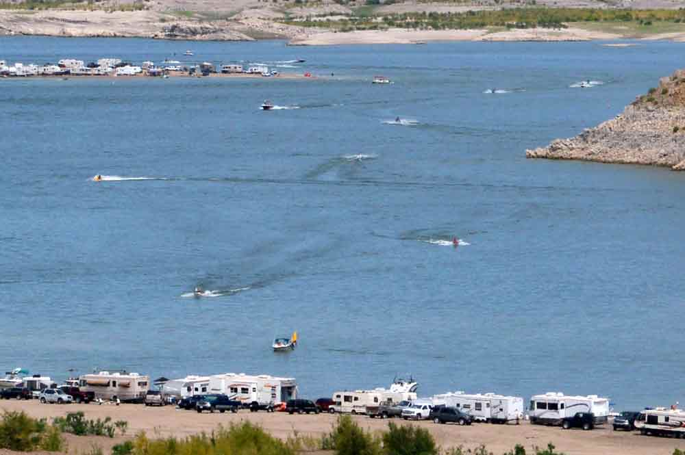 Busy summer weekend at Elephant Butte Lake