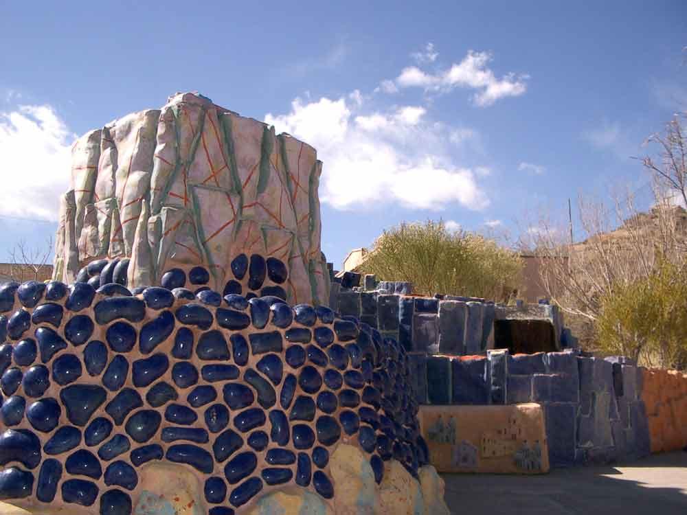 Las Palomas Fountain next to the Geronimo Springs Museum