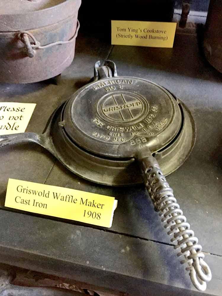 Tom Ying's cast iron waffle maker